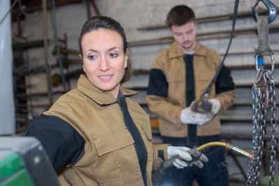 Welding Flourishes as Trade Schools on the Rise
